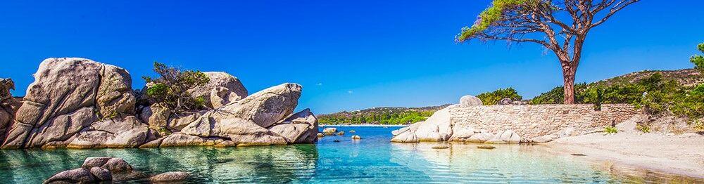 Vacances en Corse du Sud : criques et plages au sable doré