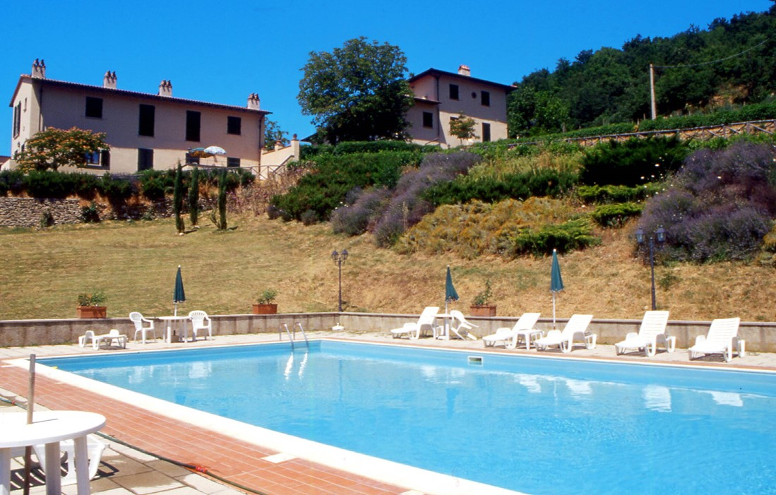 Italy - Dicomano - Residence Vigna la Corte : Outdoor swimming pool