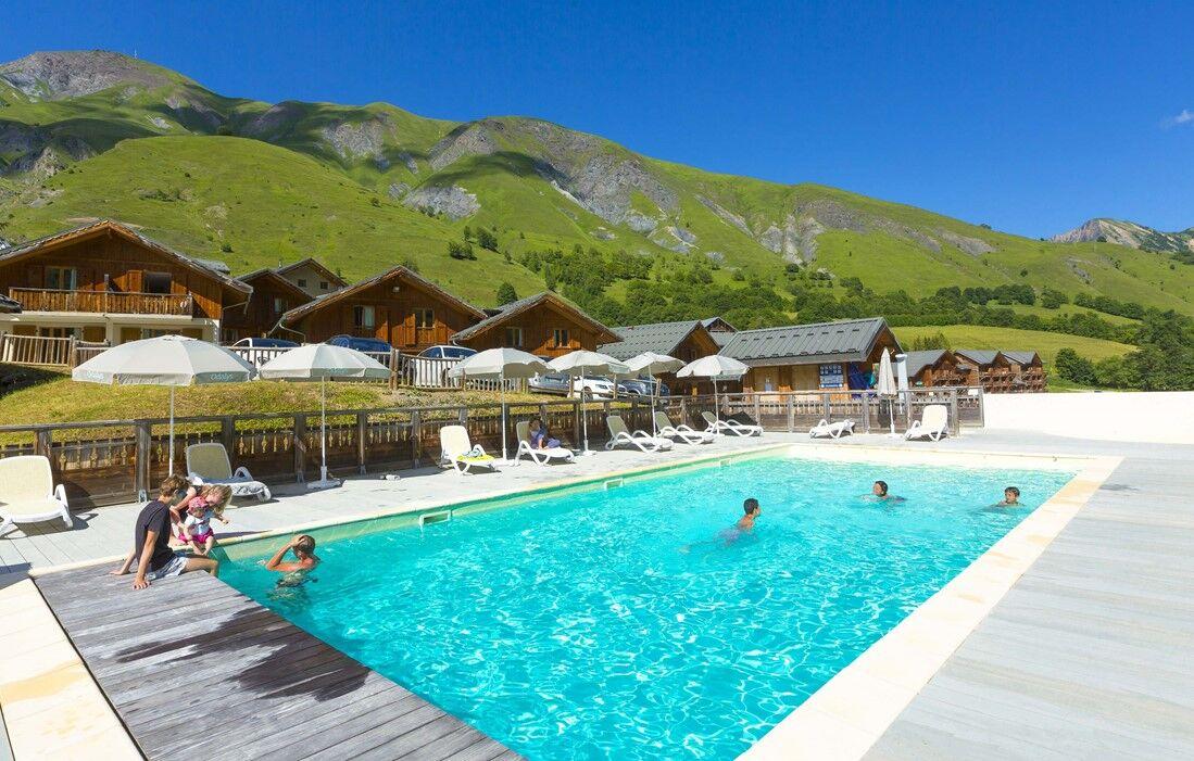 Saint Sorlin d'Arves - Odalys Residence Les Chalets de l'Arvan II  : Outdoor swimming pool