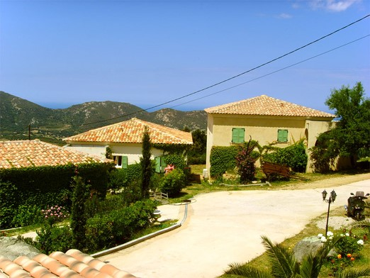 Villa holiday rental with swimming pool in Sant' Antonino