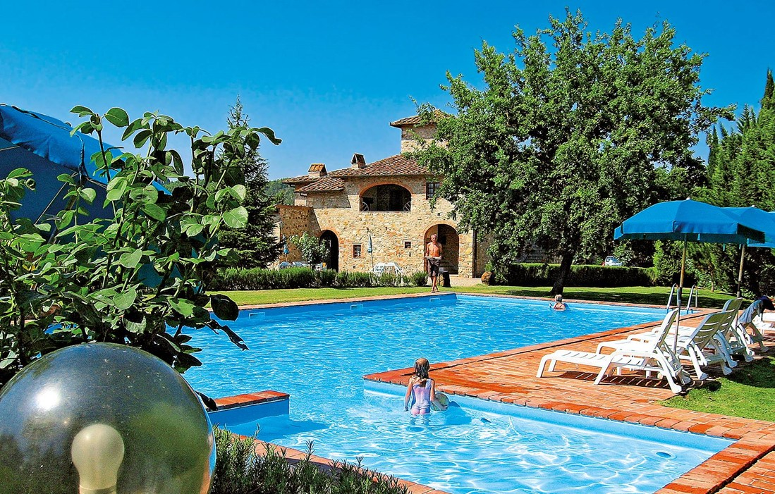 Italy - Tavernelle Val di Pesa - Residence Fattoria Pratale : Outdoor swimming pool