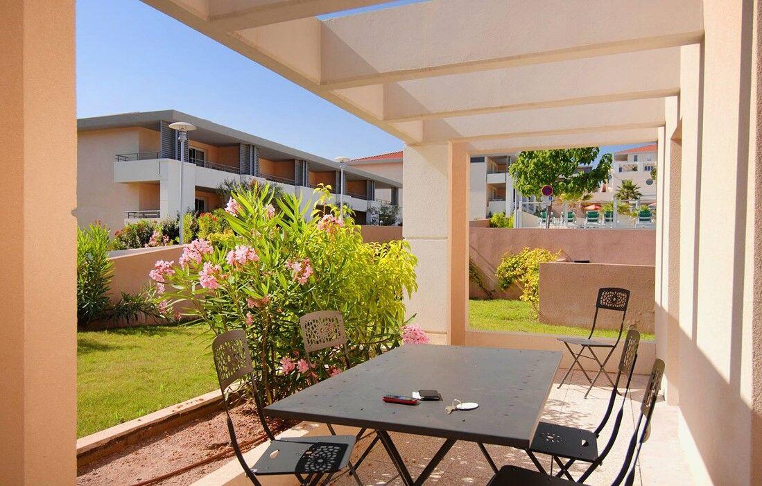Roquebrune sur Argens - Résidence Odalys Les Parasols d'Argens : Terrasse d'un logement