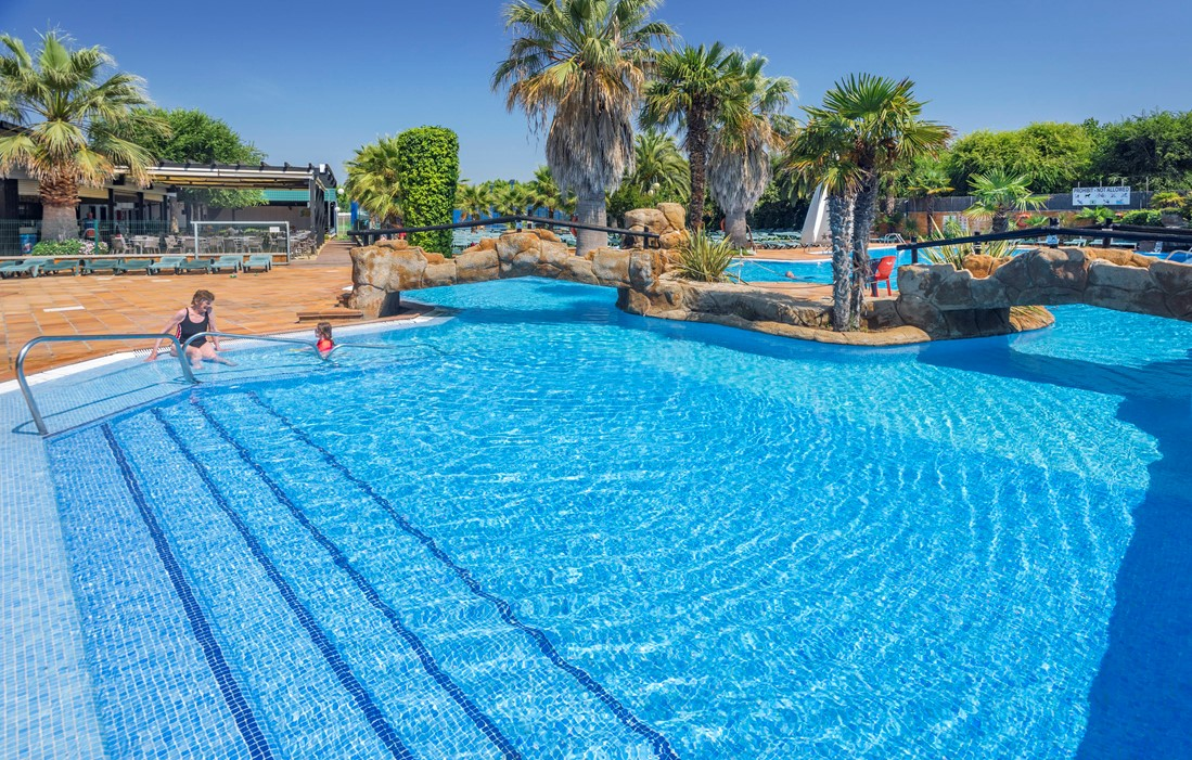 Spain - Blanes - Camping Solmar : Outdoor swimming pool