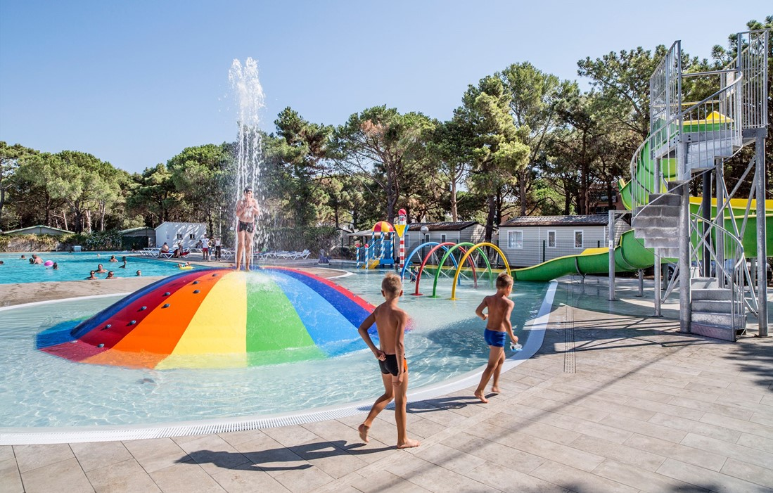 Spain - Playa de Pals - Camping Neptuno : Outdoor swimming pool