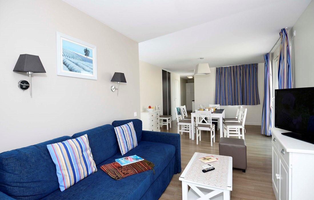 La Grande Motte - Odalys Residence Les Dunes du Soleil : Inside of an apartment