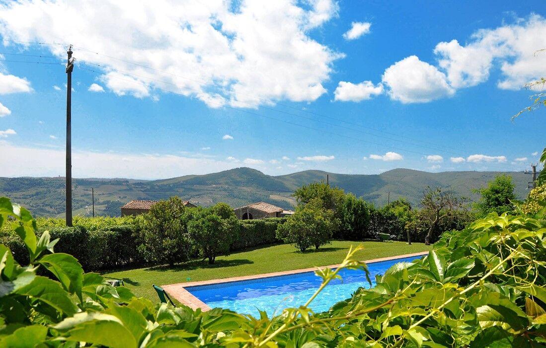 Italie - Radda in Chianti - Résidence Borgo Castelvecchi : Piscine découverte