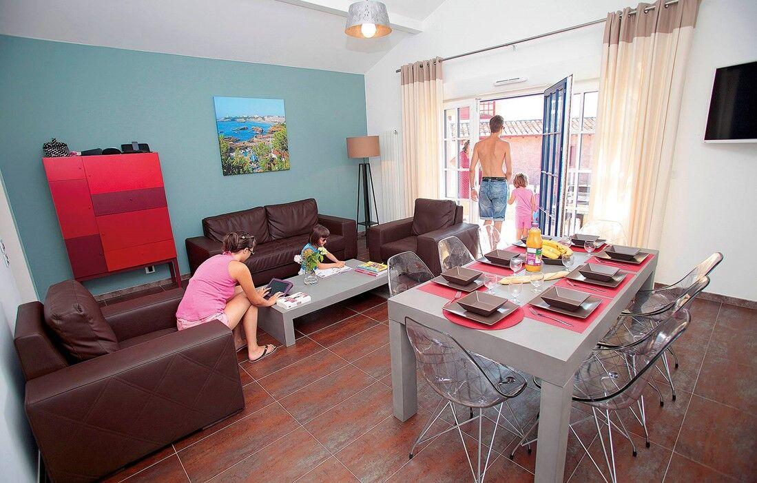 Urrugne - Odalys Prestige Villas Domaine de Lana : Inside of a villa