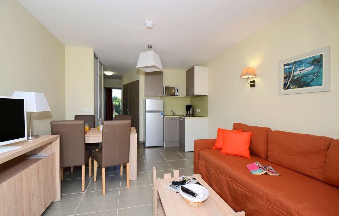 Sallèles d'Aude - Résidence Club Odalys Côté Canal : Intérieur d'un logement