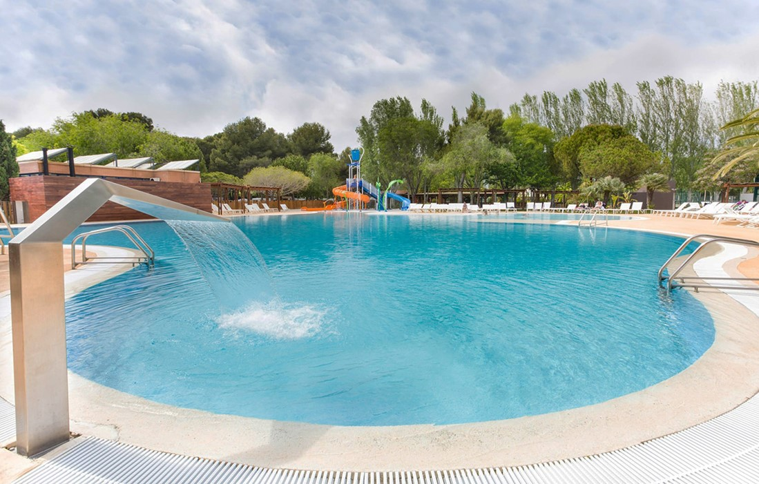 Spain - Tamarit - Campsite Tamarit Park : Outdoor swimming pool