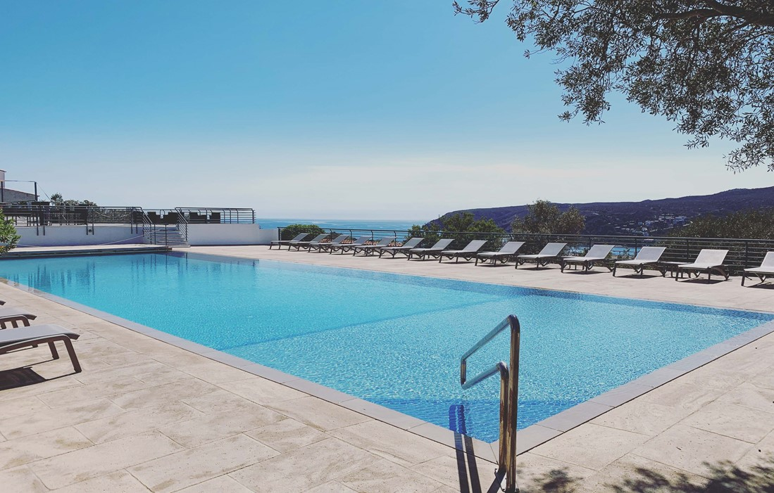 Spain - Cadaqués - Residence Carpe Diem : Outdoor swimming pool