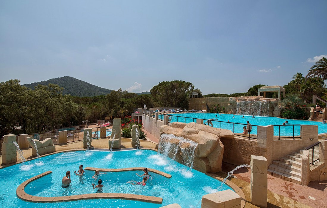 Le Muy - Camping Les Cigales : Outdoor swimming pool