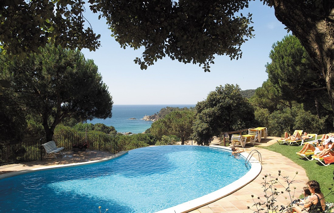 Spain- lloret del Mar - Residence Albamar : Outdoor swimming pool