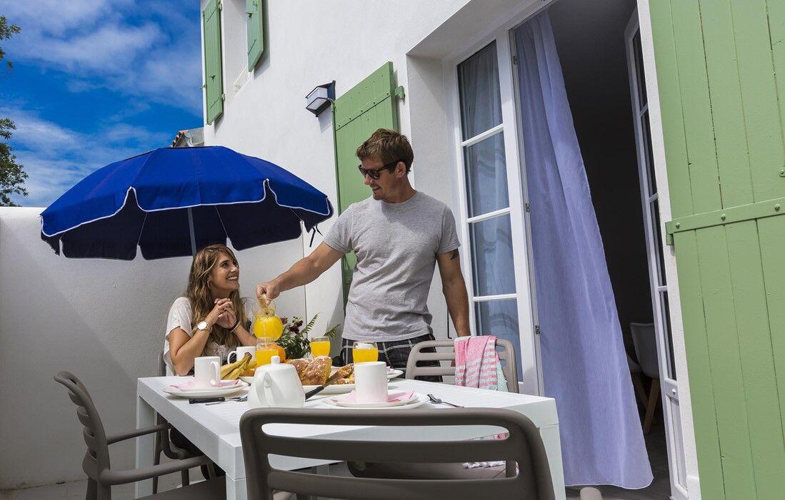 Ile de Ré - Odalys Residence Rêve d'Ile : Terrace accommodation