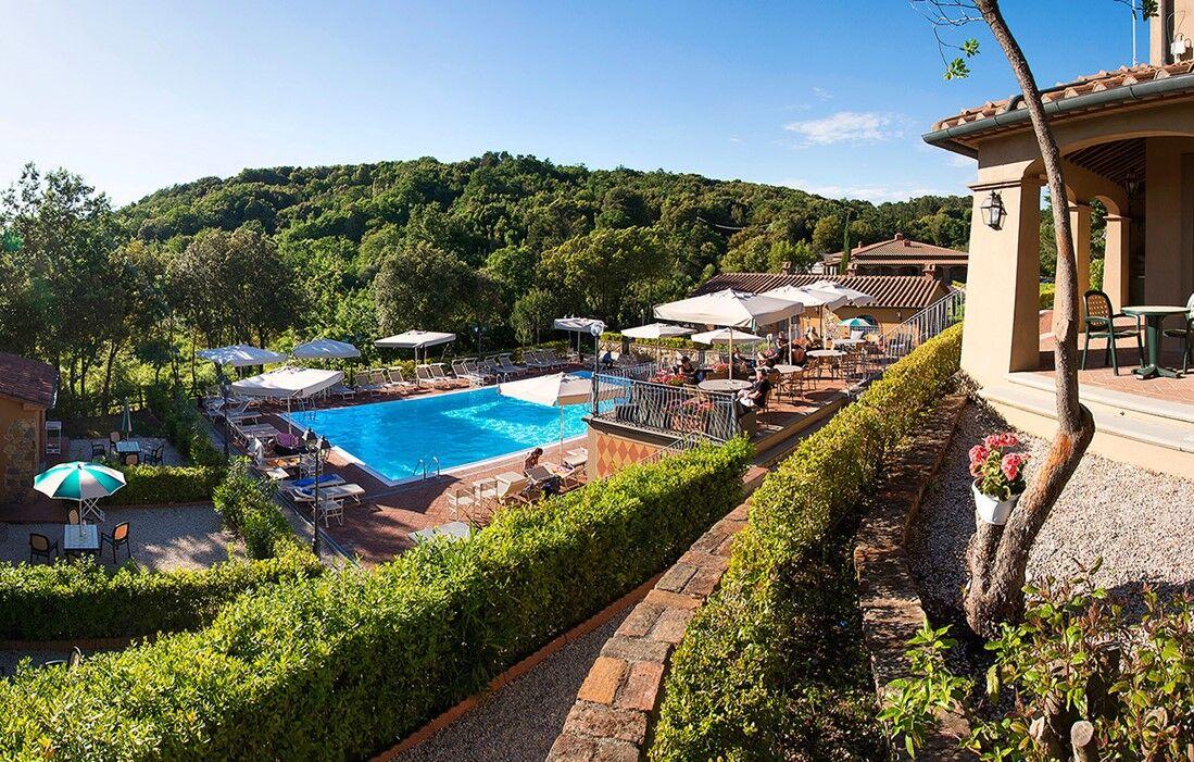Monteverdi Marittimo - Residence Il Piastroni : Outdoor swimming pool