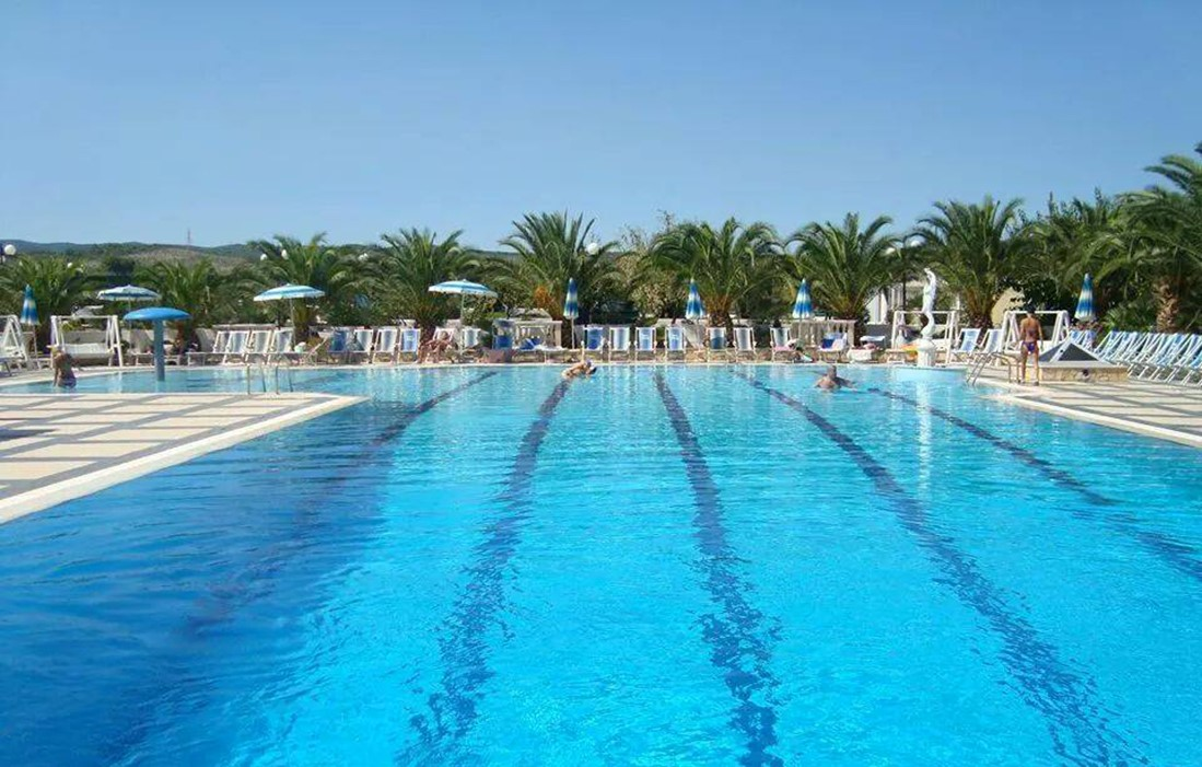 Vieste - Residence Piano Grande : Outdoor swimming pool