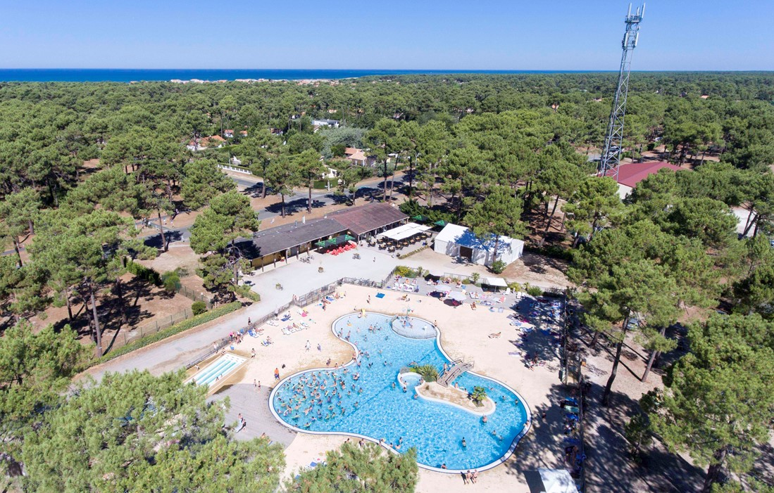 Vendays Montalivet - Camping Medoc Plage : Outdoor swimming pool