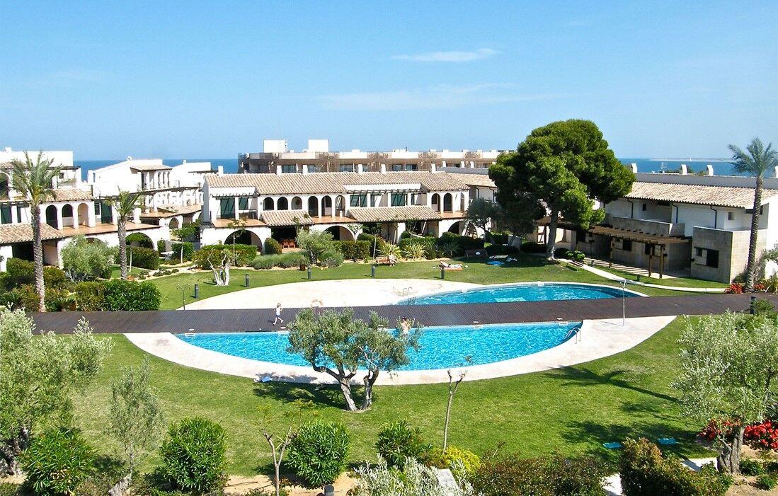 Ampolla - Résidence Les Oliveres Beach Resort & Spa : Piscine découverte