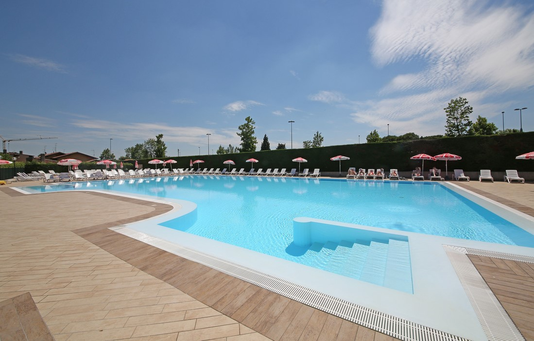 Laguna Di Sirmione - Residence Tiglio : Outdoor swimming pool