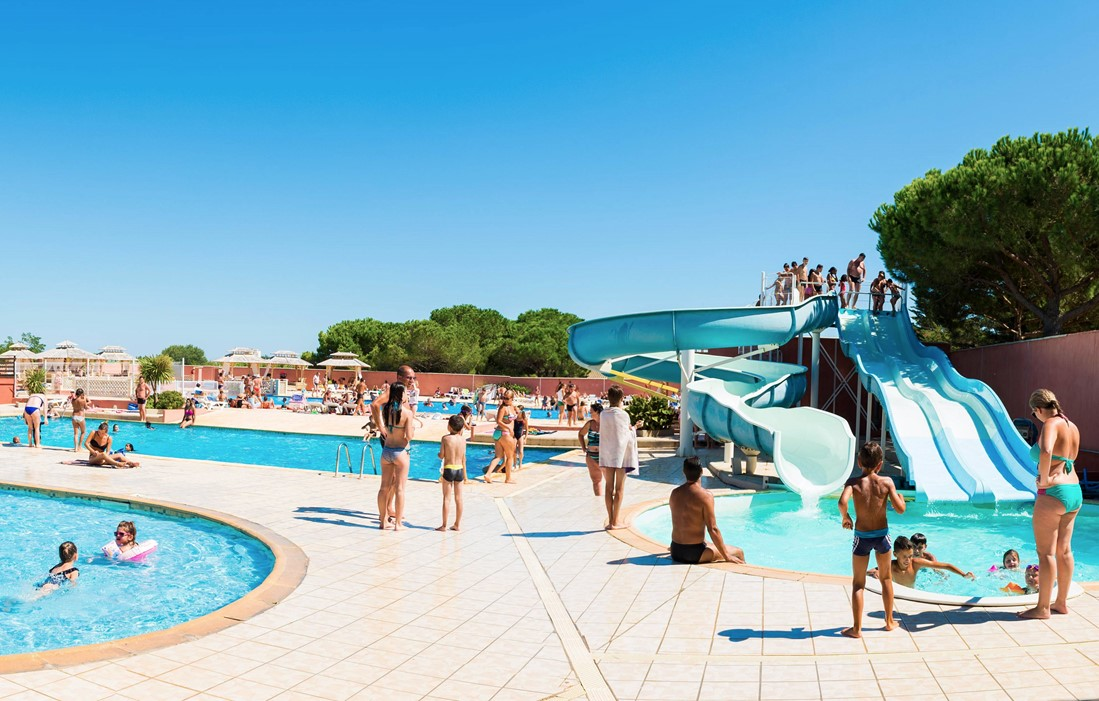 Valras Plage - Camping Le Bellevue : Outdoor swimming pool