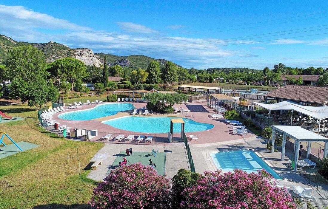 Villeneuve-lez-Avignon  - Ile des Papes : Outdoor swimming pool