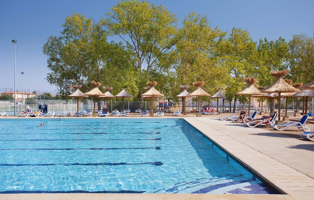Grau du Roi - Port Camargue - Odalys Camping Elysée : Outdoor swimming pool