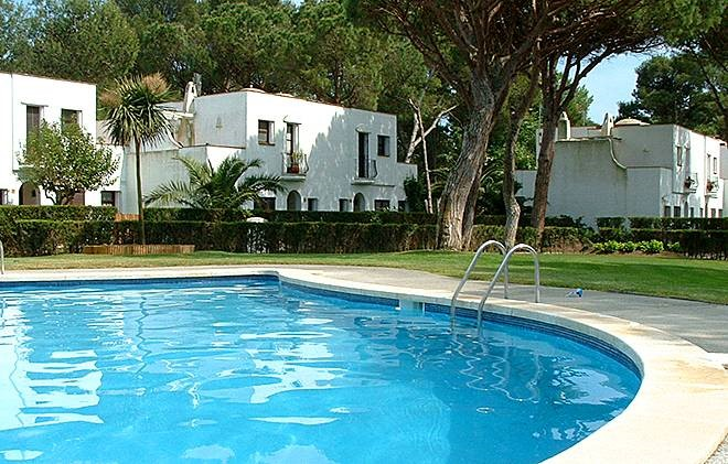 Spain - Playa de Pals - Residence Pinoverde : Outdoor swimming pool