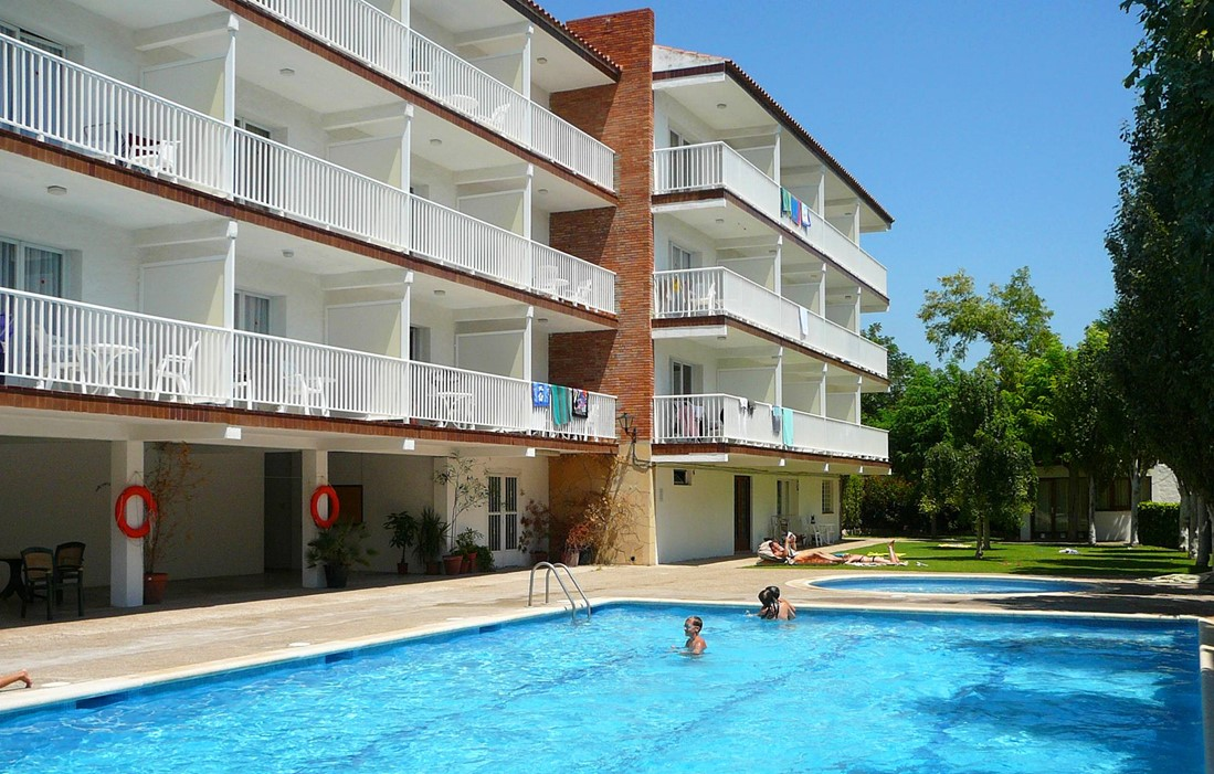 Spain - Sitges - Residence Amapola : Outdoor swimming pool
