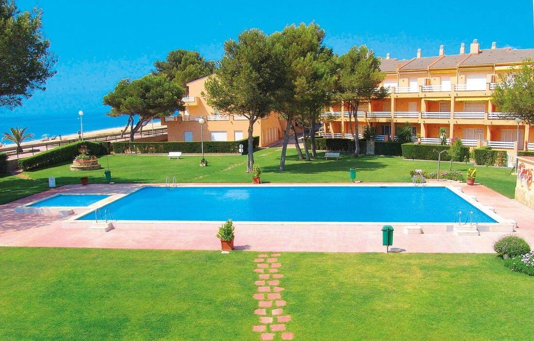 Spain - Montroig Playa - Residence Guardamar : Outdoor swimming pool