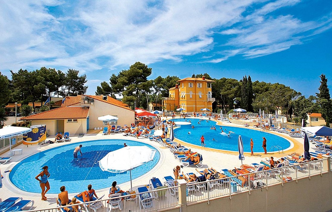 Croatia - Porec - Residence Laguna Bellevue : Outdoor swimming pools