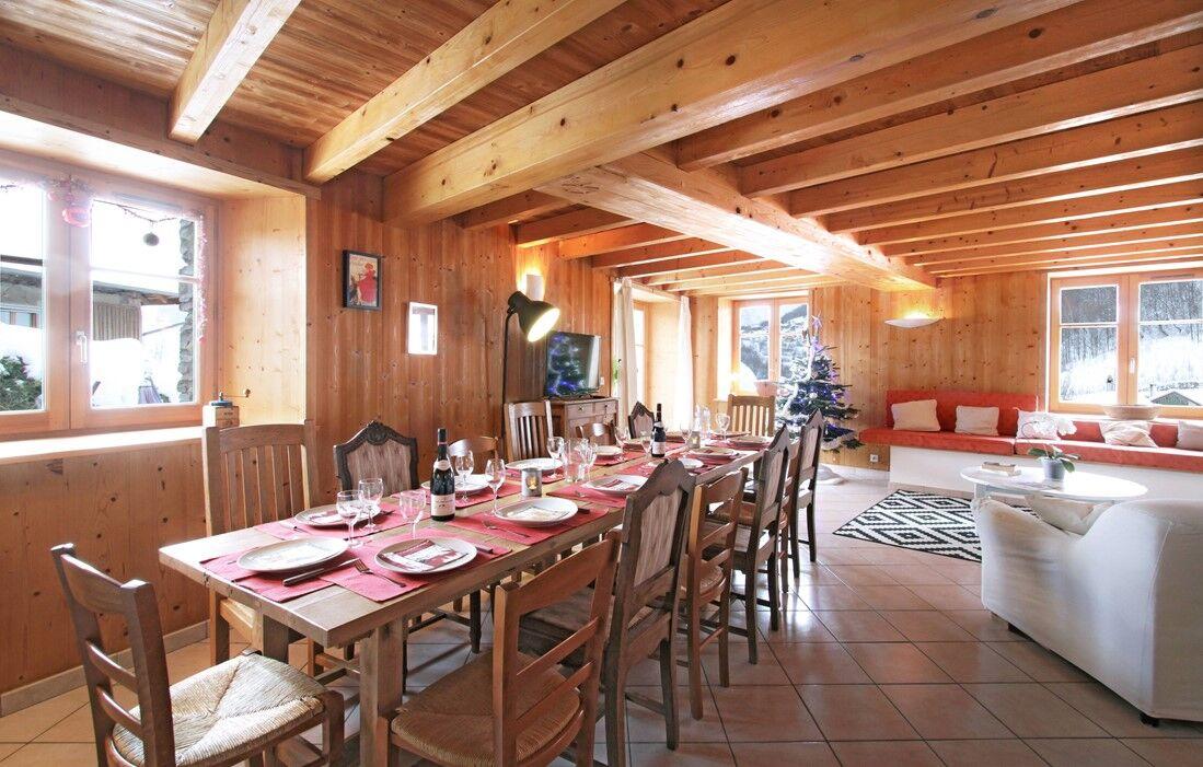 Les Deux Alpes - Chalet Maison montagnarde Les Copains : Inside of the chalet