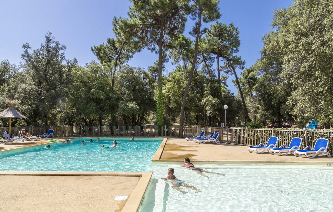 Ile d'Oléron - Odalys Camping Monplaisir : Outdoor swimming pool