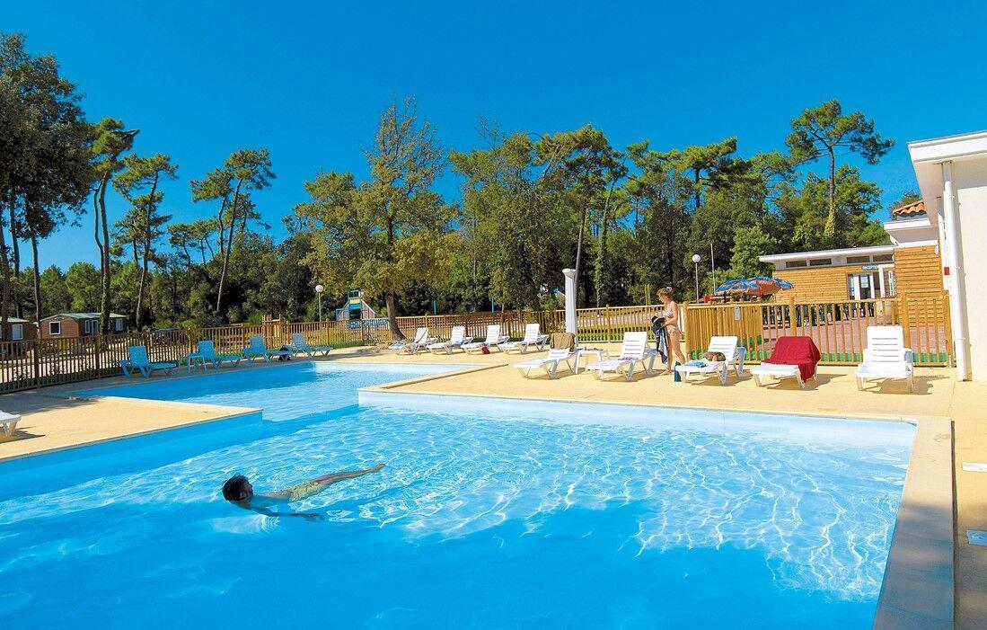 Ile d'Oléron - Camping Odalys Monplaisir : Piscine découverte