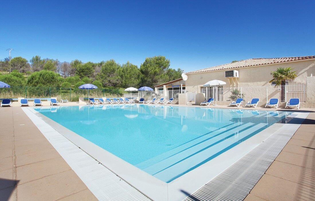 Carnoux en Provence - Résidence Odalys Shangri-La : Piscine découverte