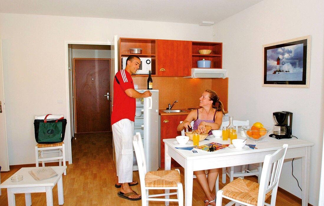 Le Verdon sur Mer - Résidence Club Odalys Les Vertmarines : Intérieur d'un logement