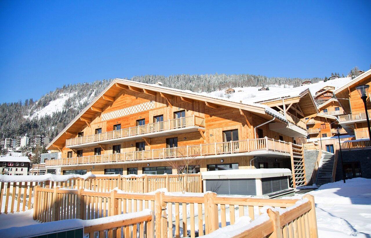 ski holiday rentals in la clusaz in the hotel le chamois. Black Bedroom Furniture Sets. Home Design Ideas