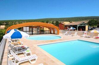 Location vacances provence et luberon sous le soleil du sud for Club vacances ardeche avec piscine