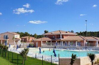 Location vacances cabri s au c ur de la provence for Piscine cabries