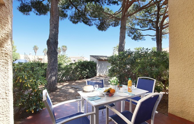 Cap d'Agde - Odalys Club Residence Saint Loup : Terrace accommodation