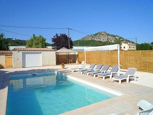 Location vacances d 39 une villa avec piscine hy res for Piscine hyeres