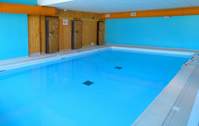 Pra Loup - Odalys Residence Le Hameau de Praroustan : Indoor swimming pool