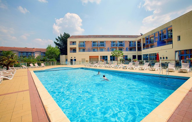 Hourtin - Odalys Club Residence du Port : Outdoor swimming pool