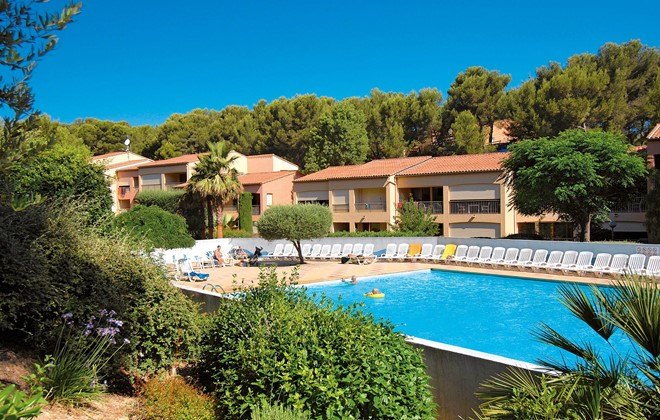 Sanary sur mer - Odalys Residence Le Vallon du Roy : Outdoor swimming pool