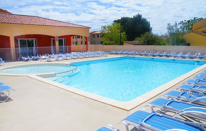 Aigues Mortes - Odalys Residence Le Mas des Flamants : Outdoor swimming pool