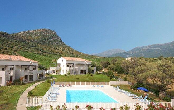 Location corse saint florent piscine for Residence vacances france avec piscine
