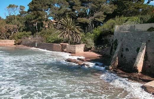 Location Vacances En Villa Pieds Dans LEau  Carqueiranne  Odalys