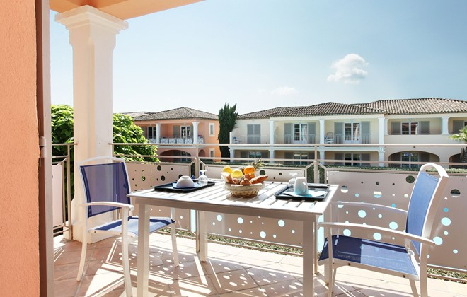 Grimaud - Odalys Club Residence La Palmeraie  : Terrace accommodation