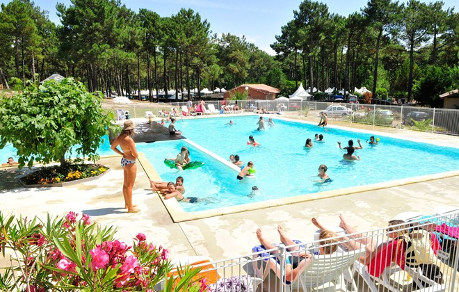 Biscarrosse - Le Vivier : Outdoor swimming pool