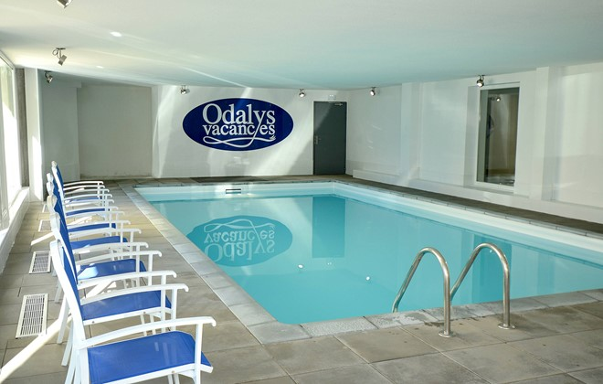 Les Deux Alpes - Odalys Residence L'Ours Blanc : Indoor swimming pool