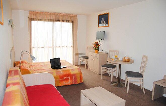 Location la rochelle appart h tel odalys archipel for Hotel appart