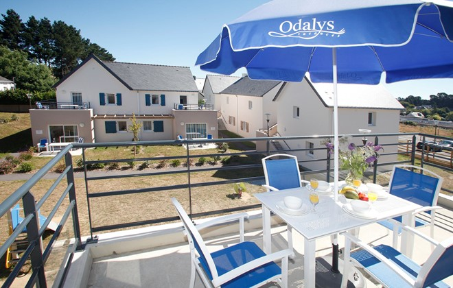 Baden - Odalys Residence Les Iles du Morbihan : Terrace of an apartment